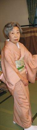 http://www.kyoshibori.com/news/assets_c/2010/05/DH000102-thumb-120x419-235.jpg