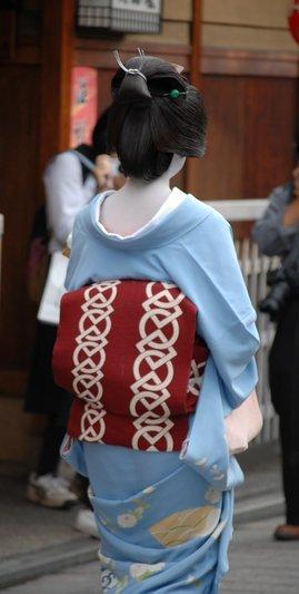http://www.kyoshibori.com/news/assets_c/2011/09/DSC_0264-thumb-270x533-950.jpg